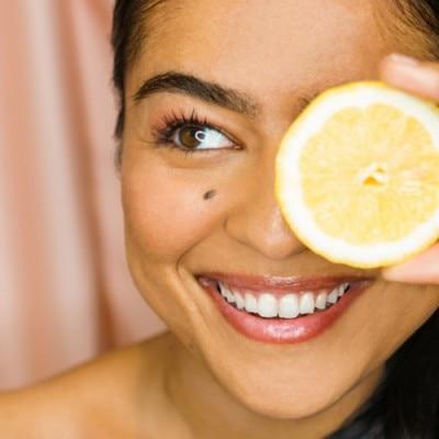 KORA Organics Sérum con Vitamina C Noni Bright