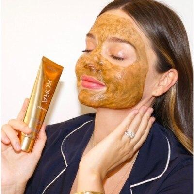 KORA Organics Turmeric Brightening Exfoliating Mask 2 En 1